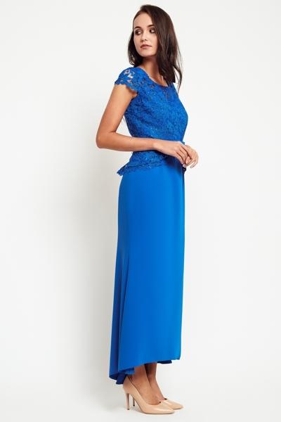 Długa elegancka sukienka w kolorze chabrowym