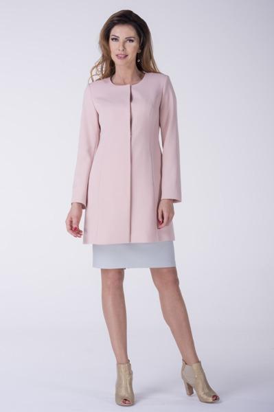Krótki pudrowy płaszcz
