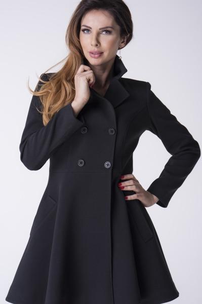 Płaszcz czarny rozkloszowany